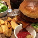 「肉が旨いカフェNICK STOCK」イオンモールKYOTO店 – 肉の旨みが詰まったランチバーガー